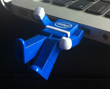 How to Use Dev Eject to Eject Your USB Devices Safely intel lego flashdrive