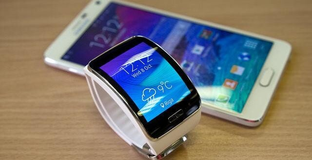 5 Smartwatches We Are Loving in 2015